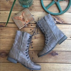 Steve Madden Troopa Leather Boots (7.5)